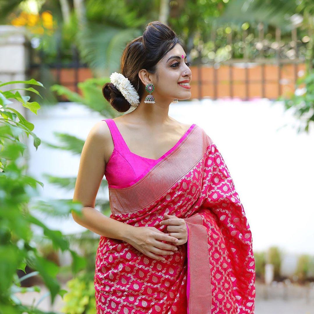 banarasi-sarees-latest-designs-11