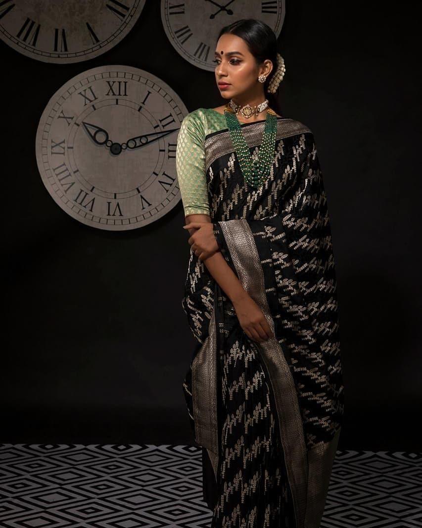 banarasi-sarees-latest-designs-16