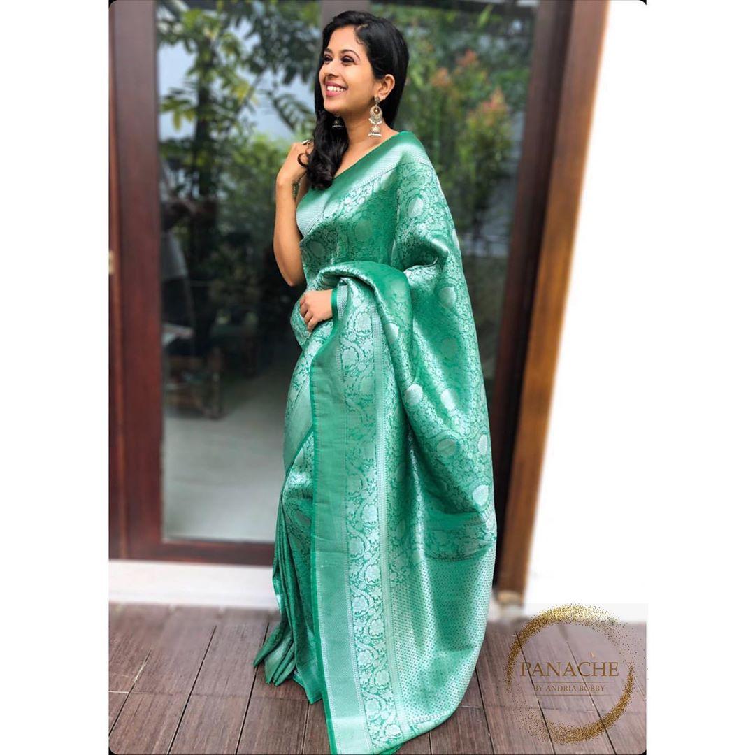 banarasi-sarees-latest-designs-2