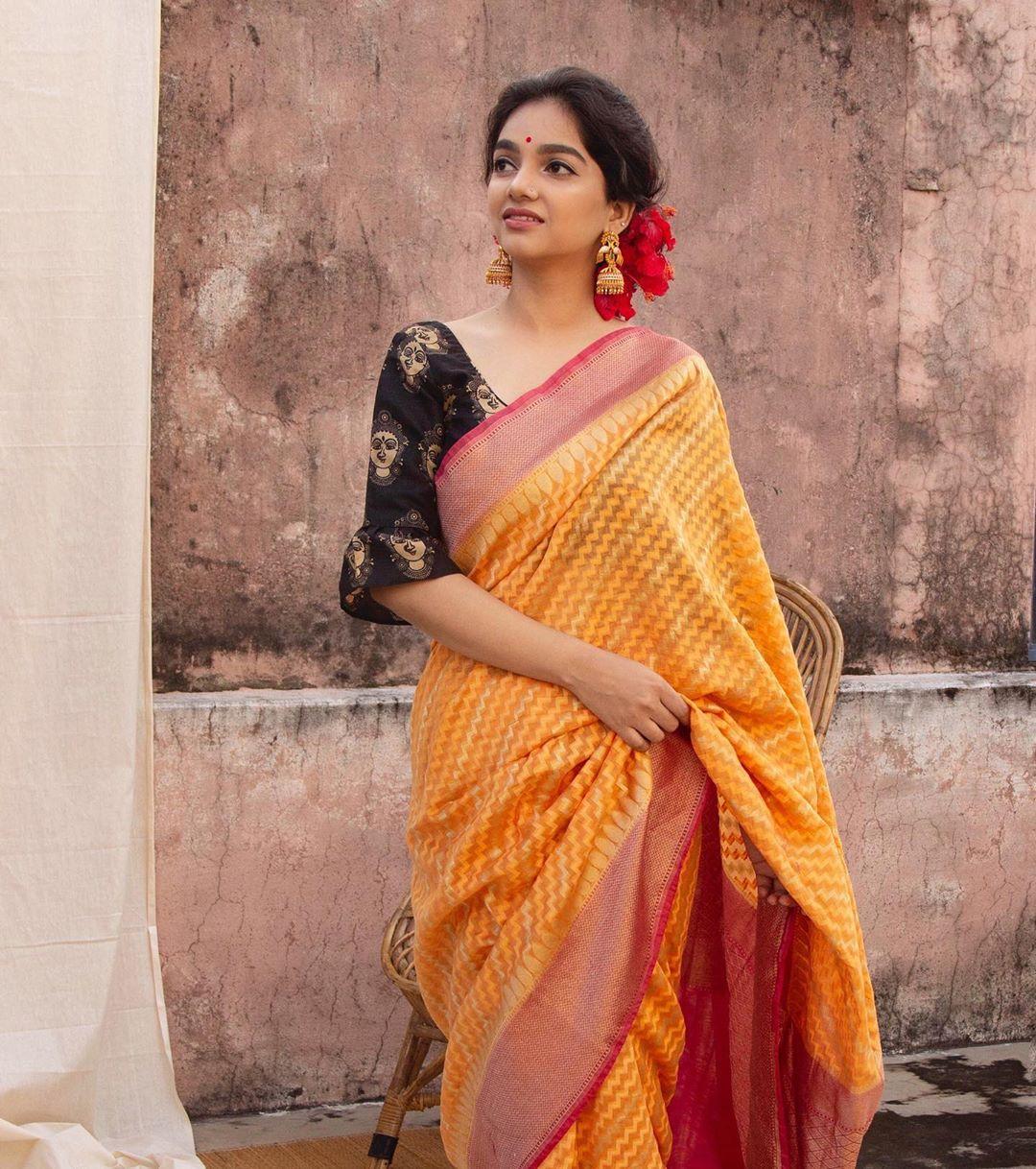 banarasi-sarees-latest-designs-7