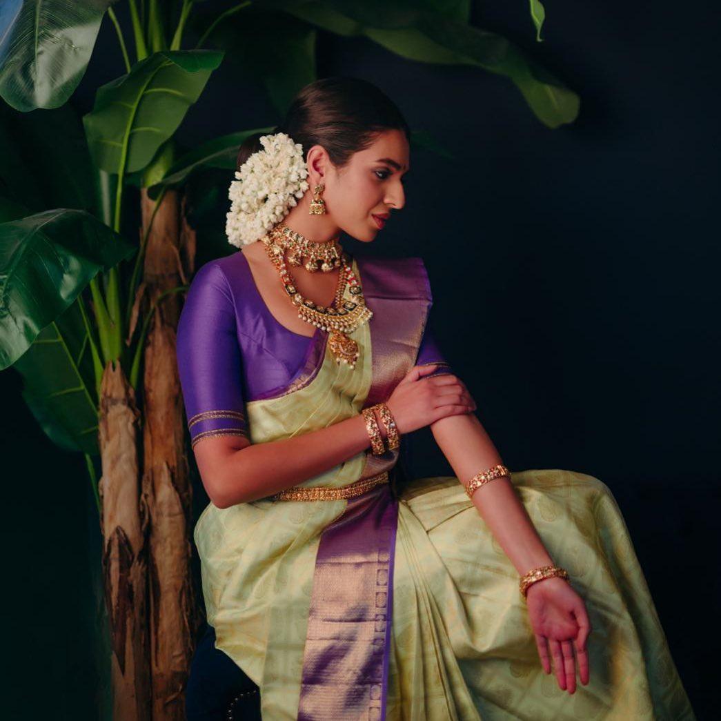 silk-sarees-with-designer-blouses-13