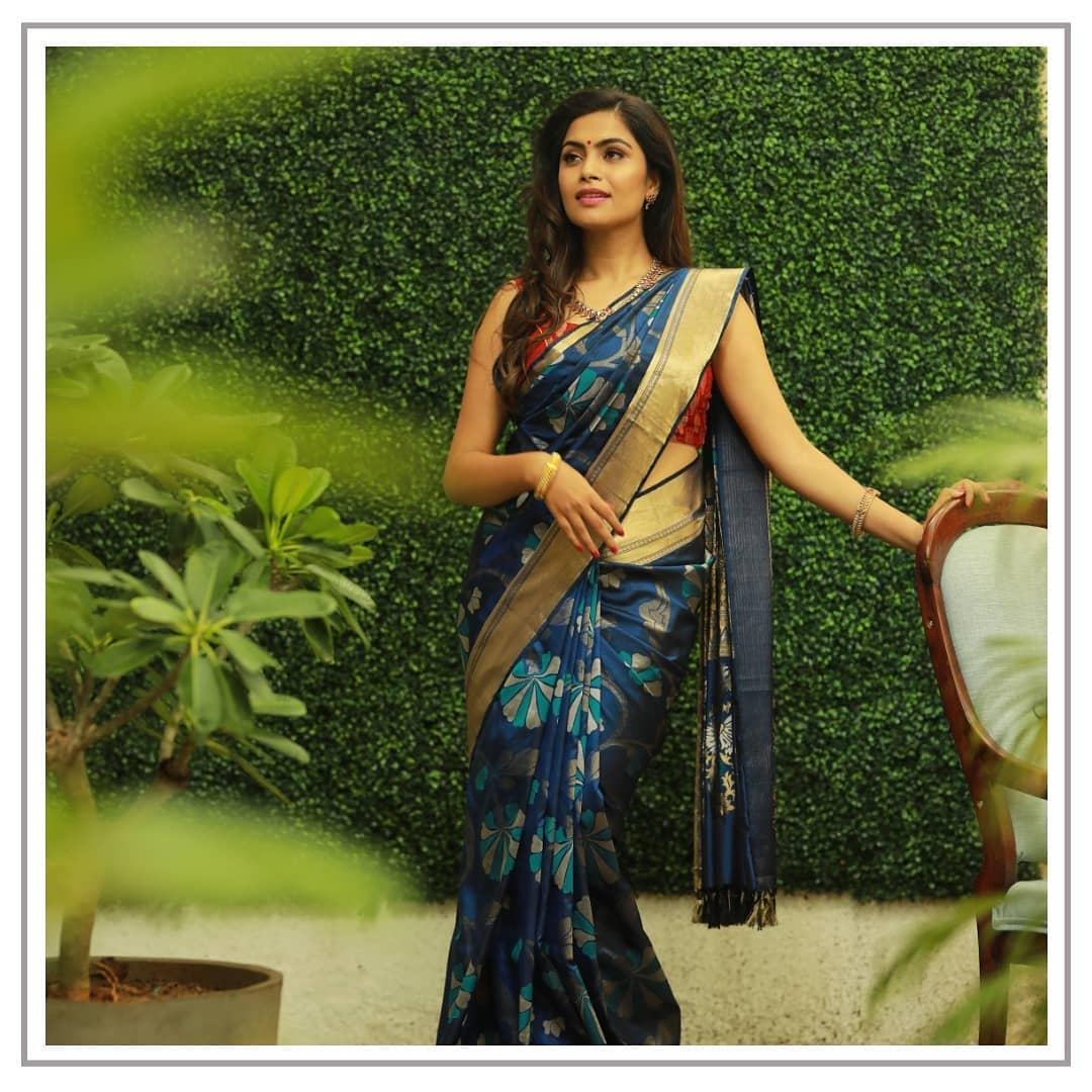 silk-sarees-with-designer-blouses-15