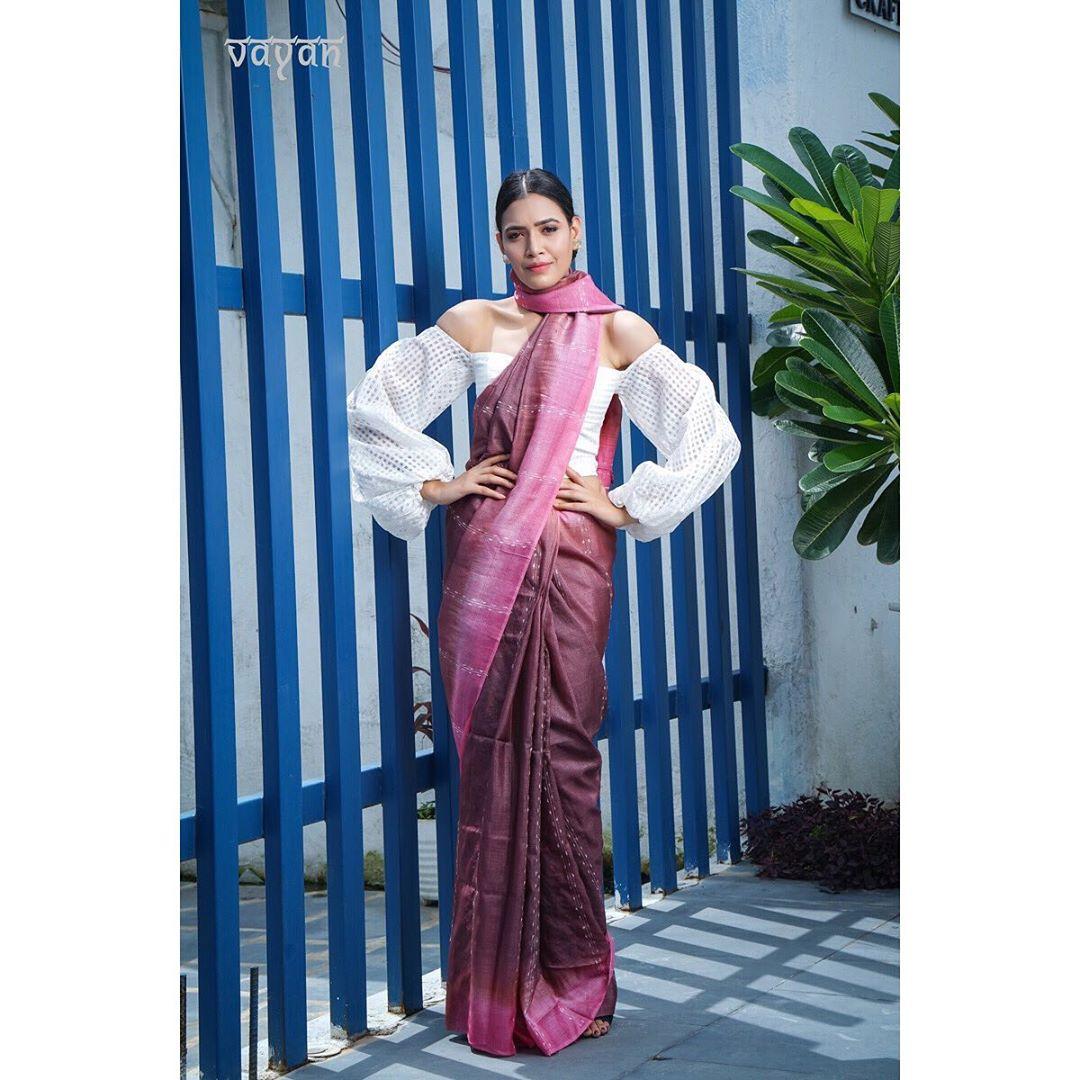 silk-sarees-with-designer-blouses-16