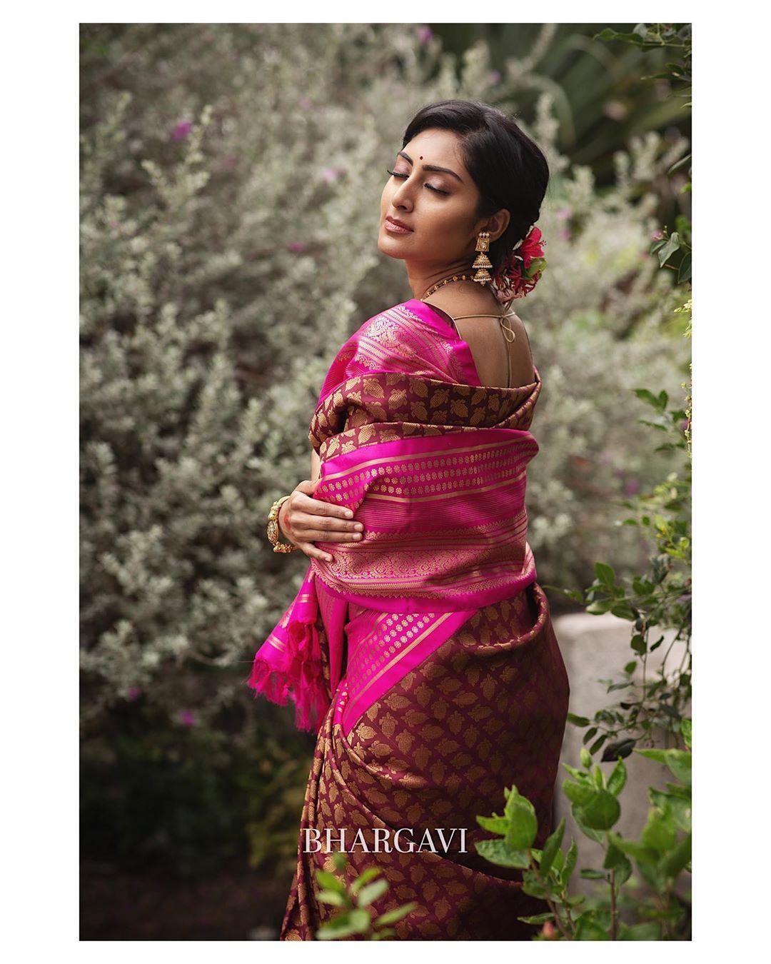 south-indian-latest-silk-sarees-11