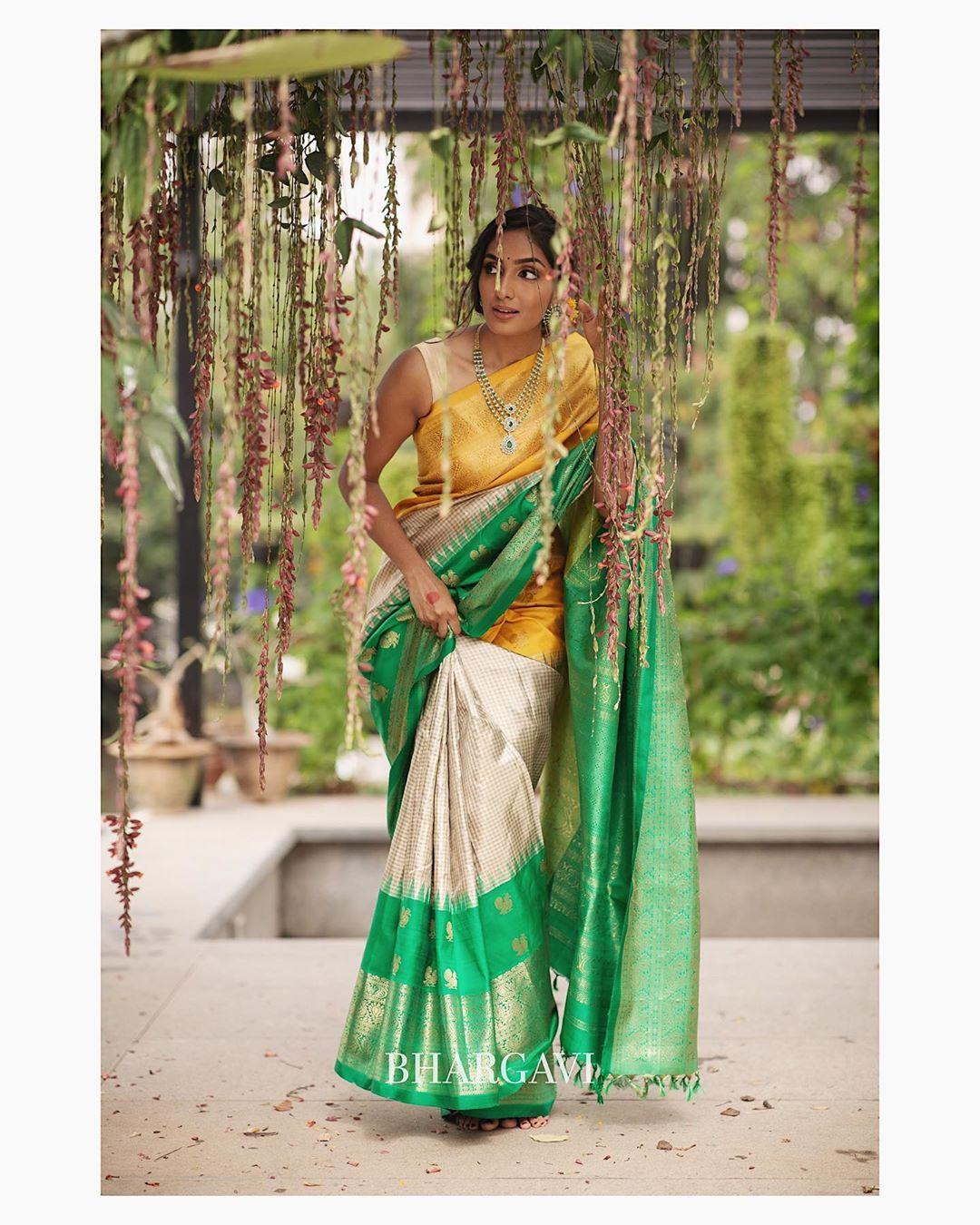 south-indian-latest-silk-sarees-5