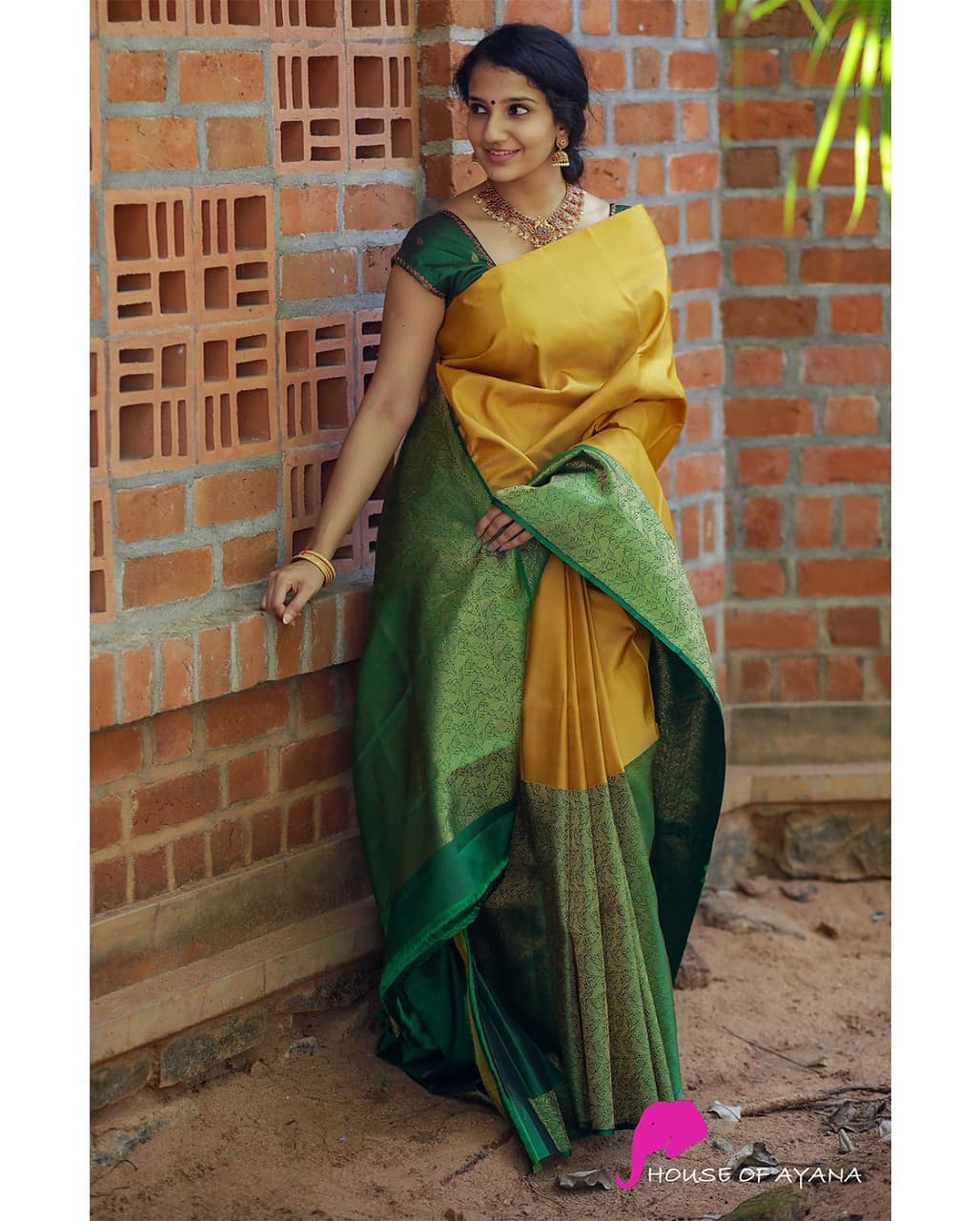 latest-silk-sarees-15
