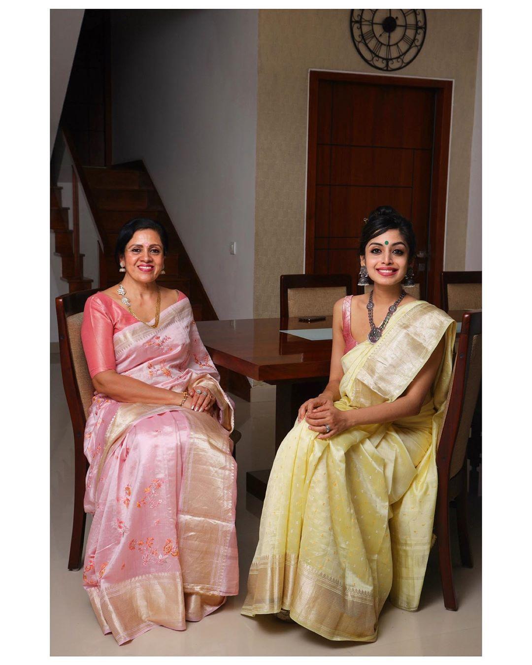mother-daughter-sarees-15