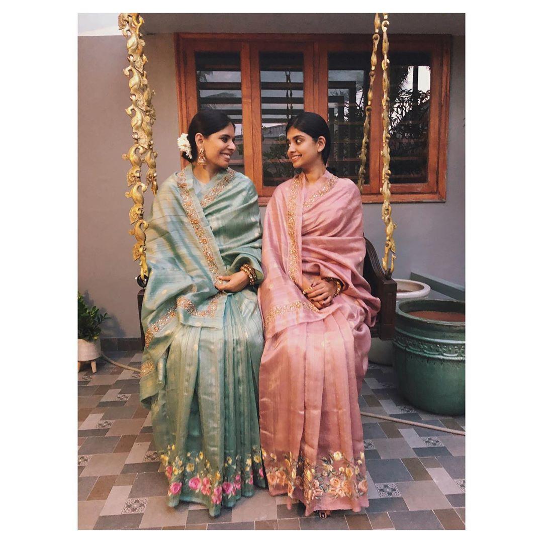mother-daughter-sarees-4