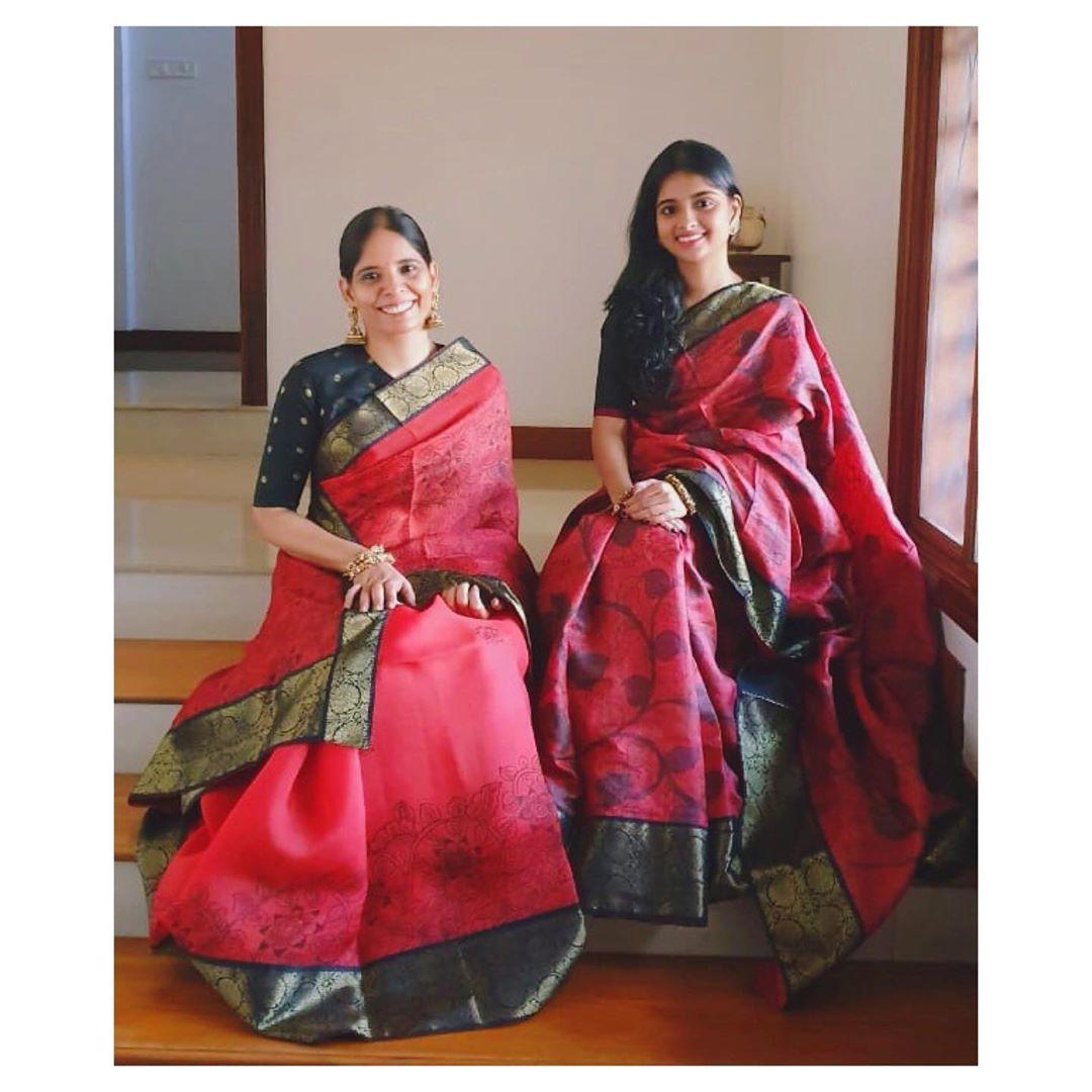 mother-daughter-sarees-5