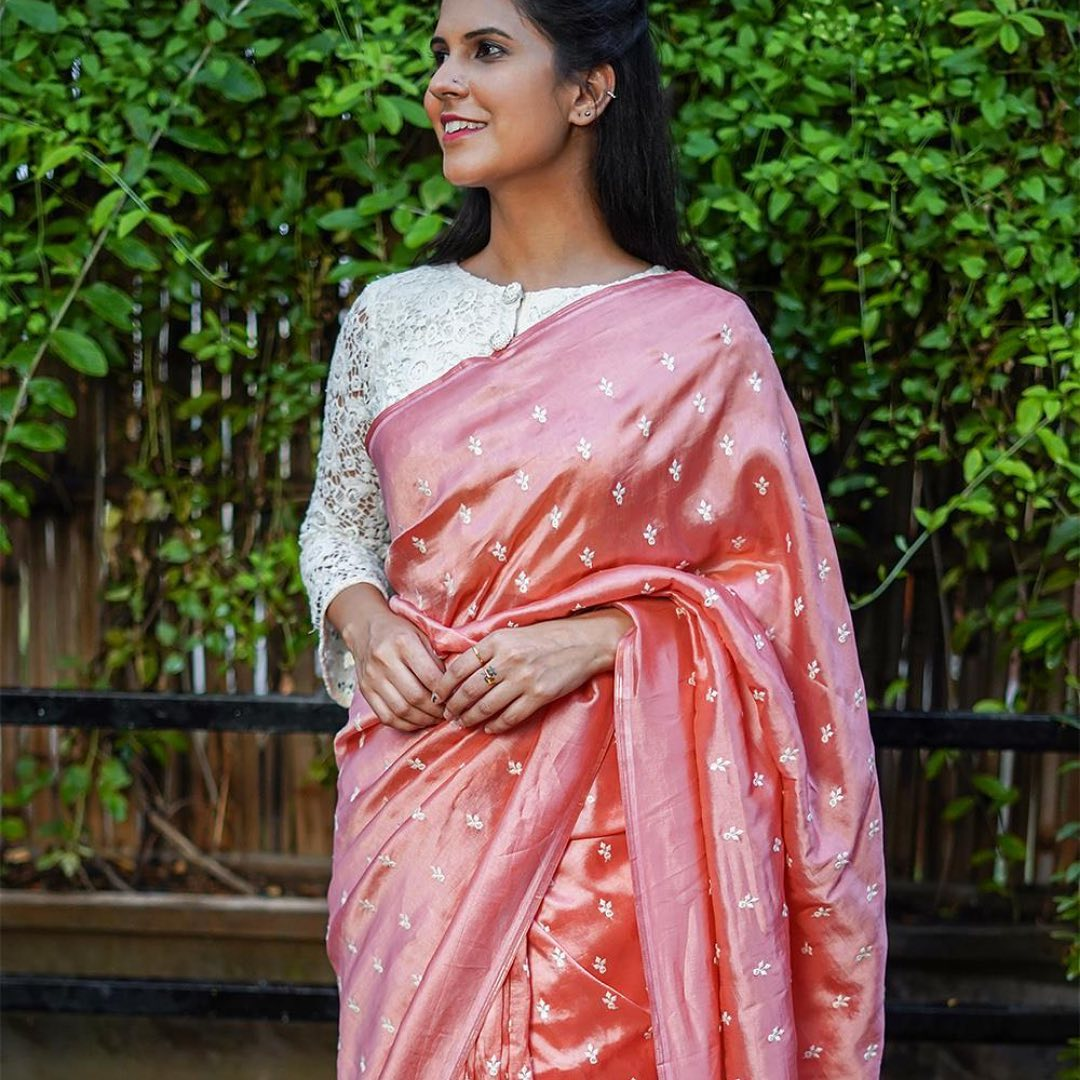 saree-with-contrast-blouse-12