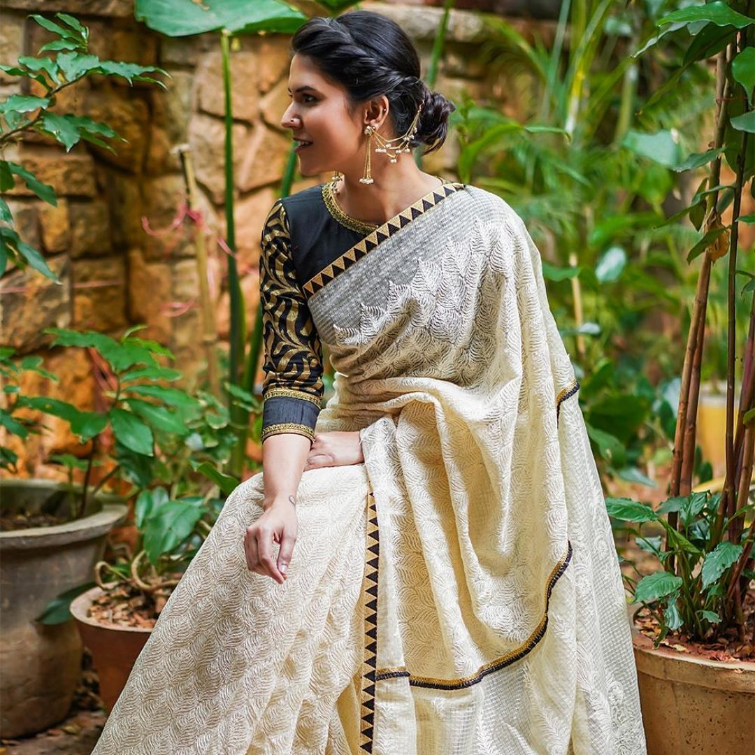 saree-with-contrast-blouse-13