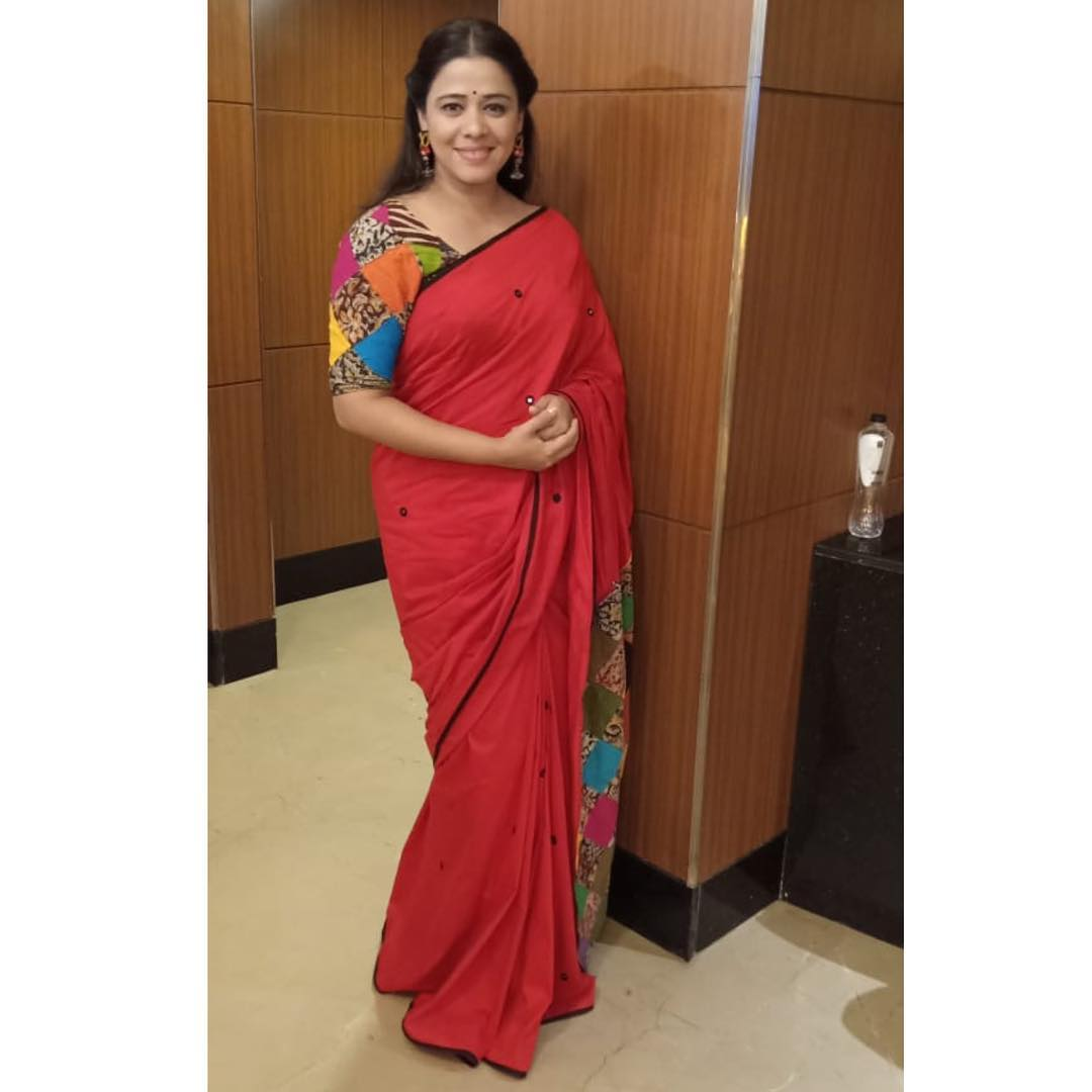 saree-with-contrast-blouse-6