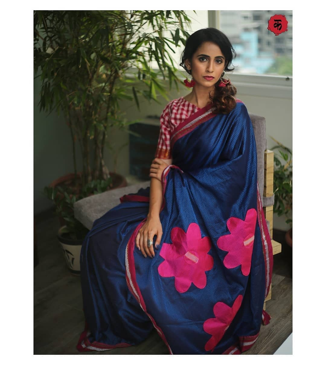 saree-with-contrast-blouse-7
