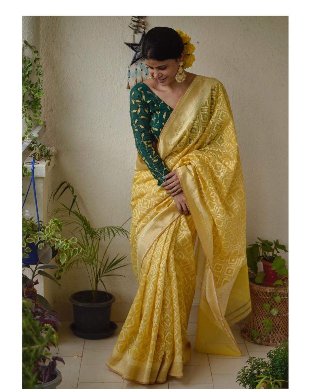 styling-sarees-for-winters-1