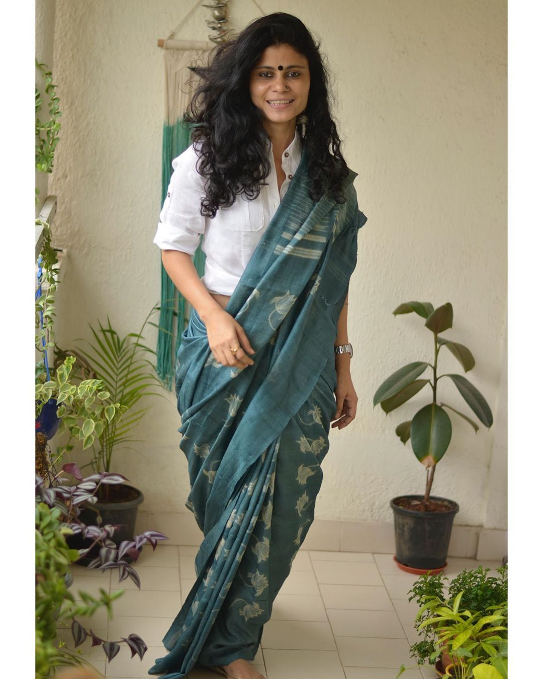 styling-sarees-for-winters-15