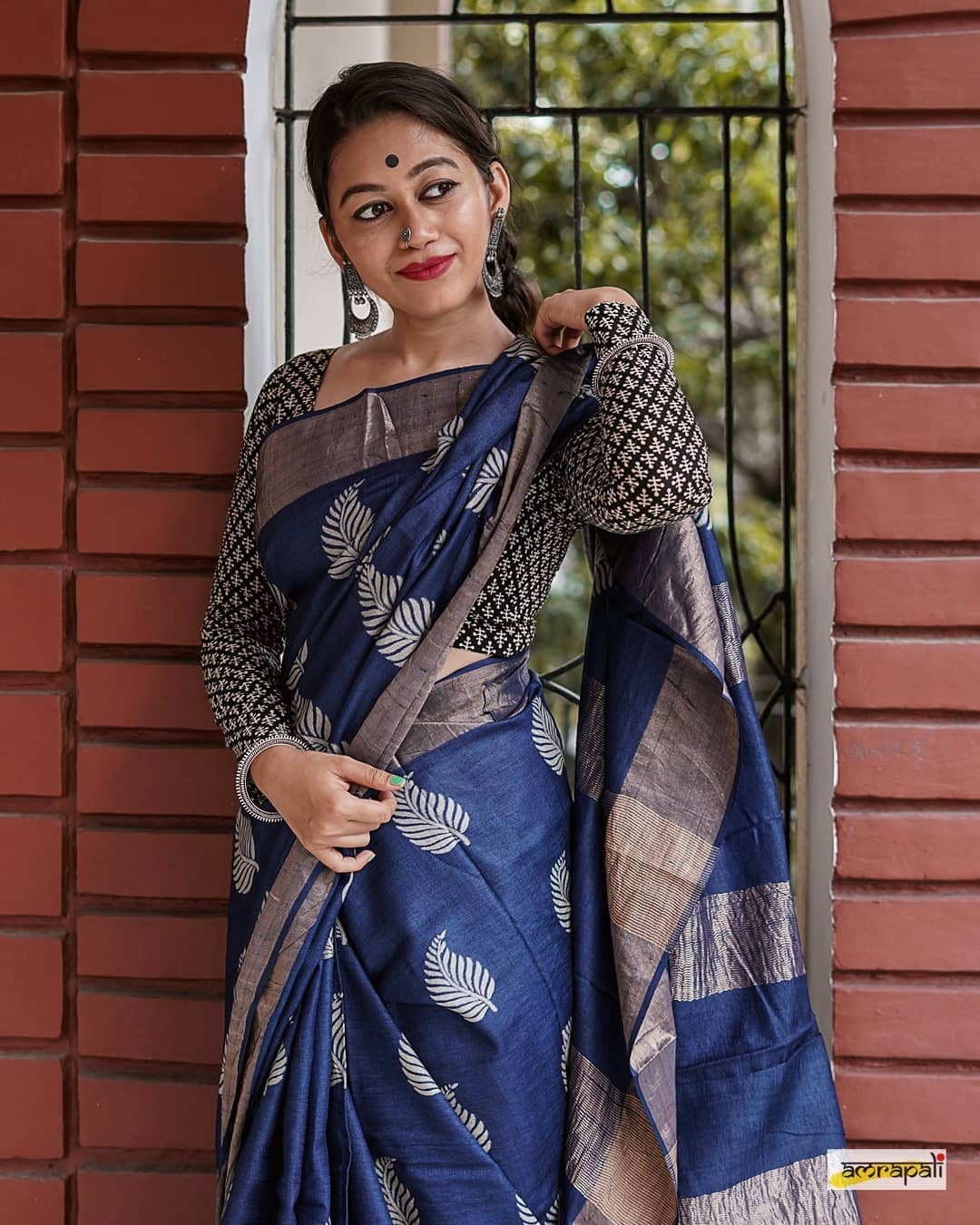 styling-sarees-for-winters-7