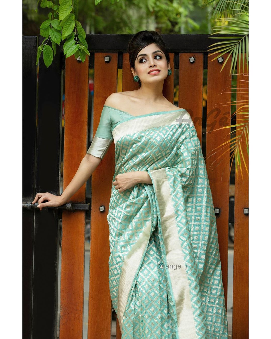 latest-silk-sarees-blouse-designs-2