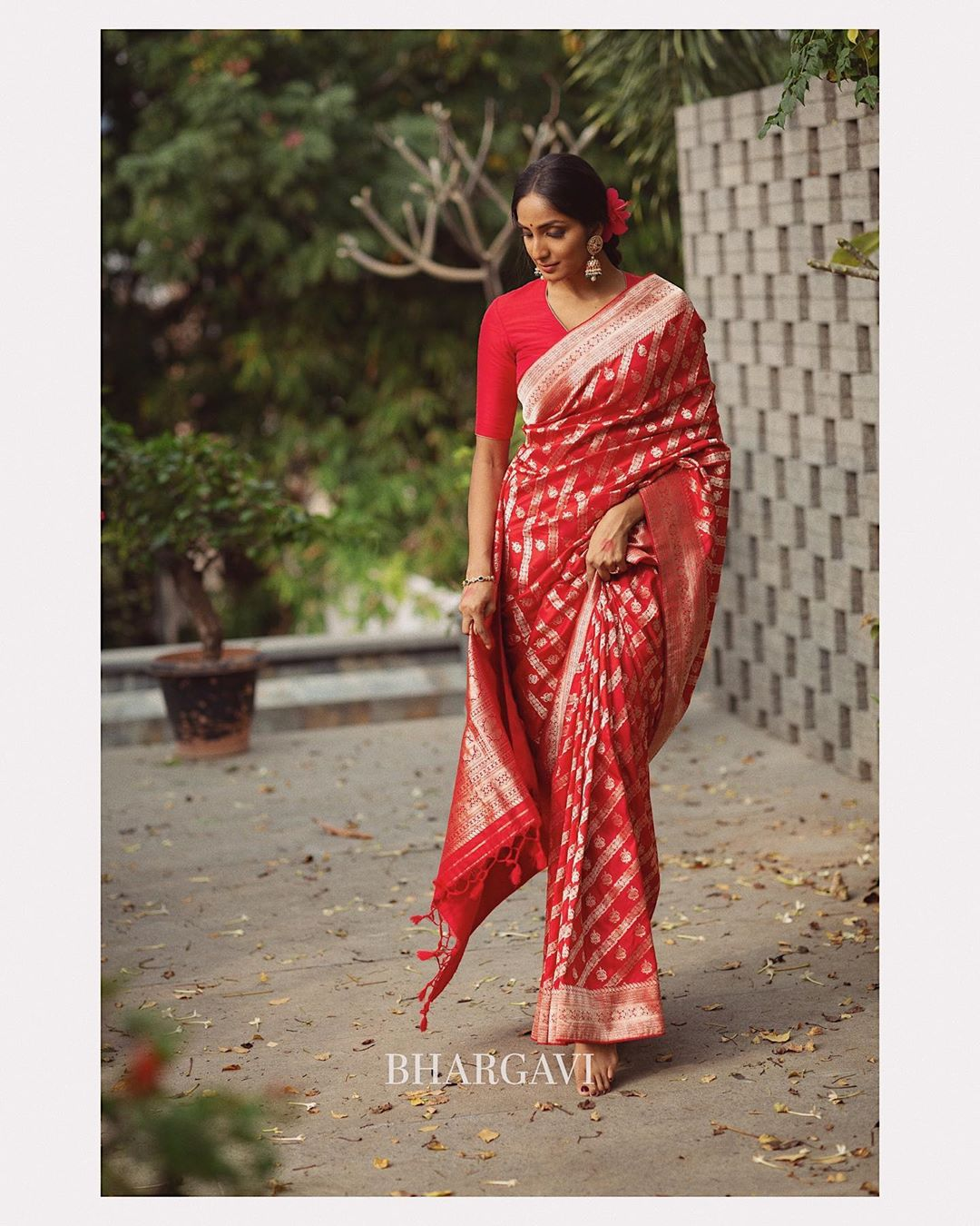 latest-silk-sarees-blouse-designs-7