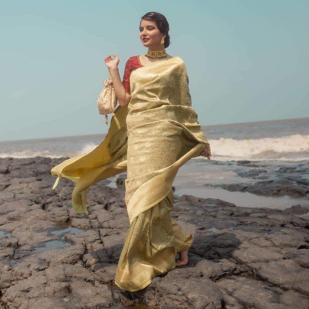pastel-sarees-1