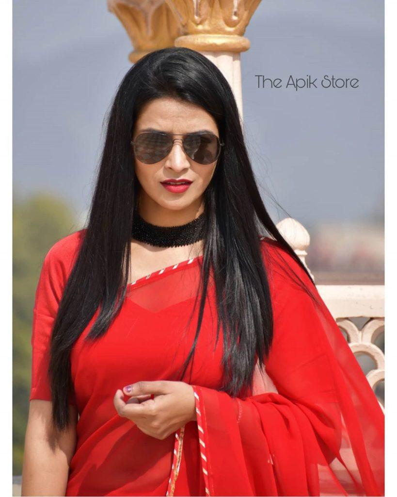 styling-plain-sarees-11