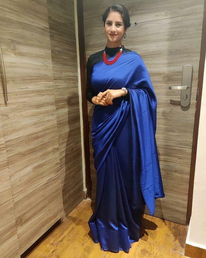 styling-plain-sarees-13