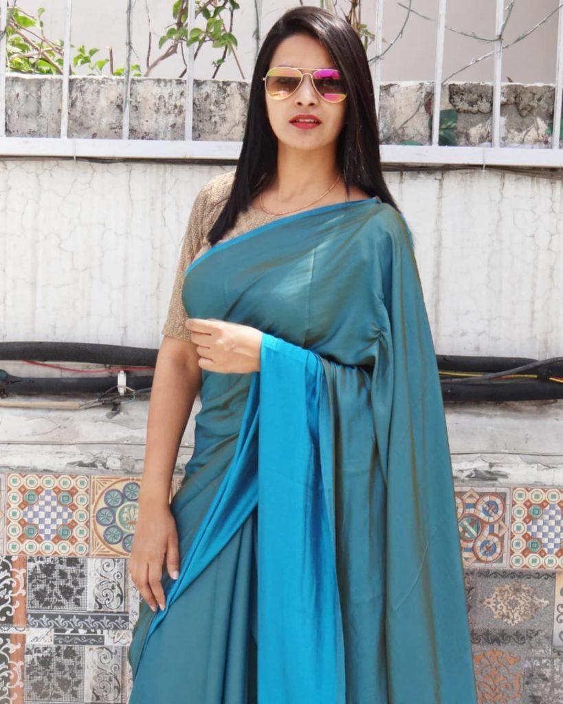 styling-plain-sarees-3