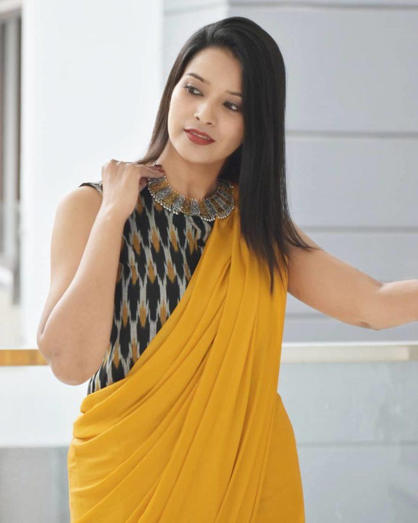 styling-plain-sarees-5