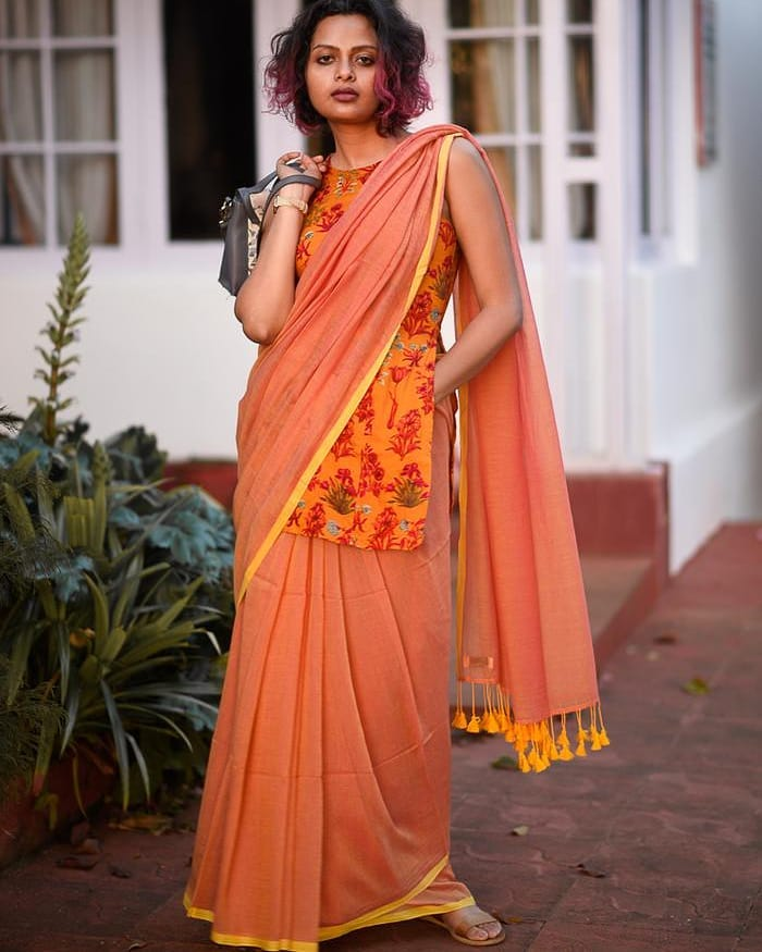 saree-style-with-long-blouse-15