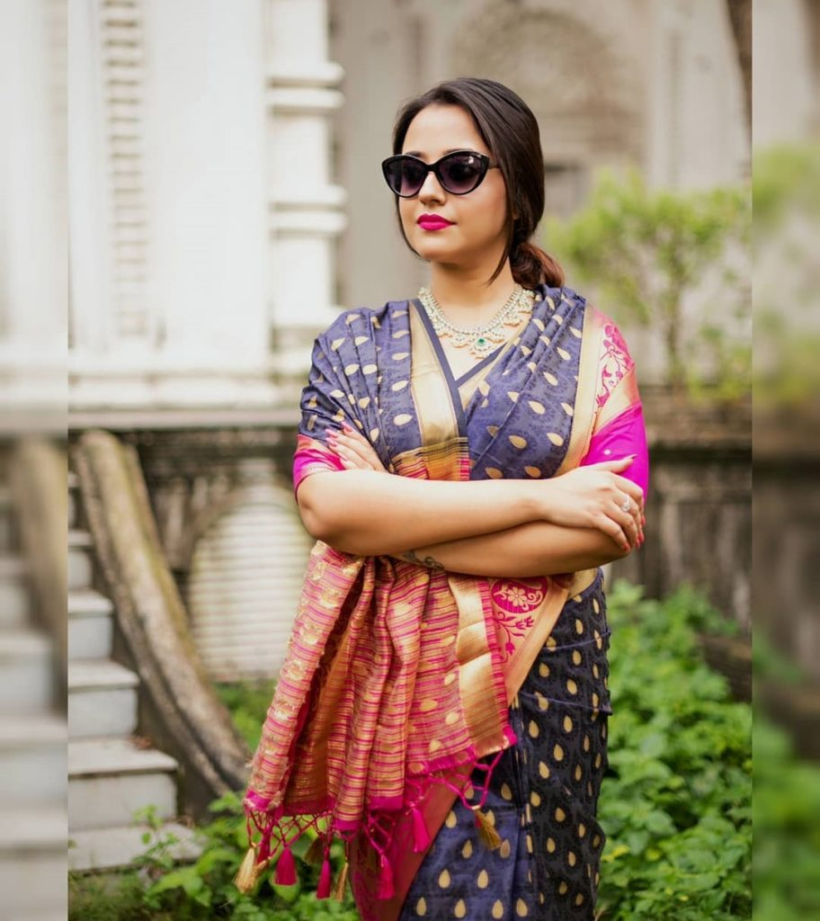 saree-styling-tips-for-plus-size-15