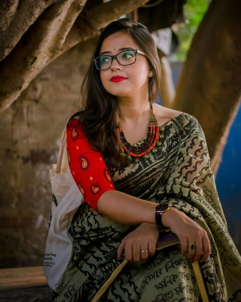 saree-styling-tips-for-plus-size-5