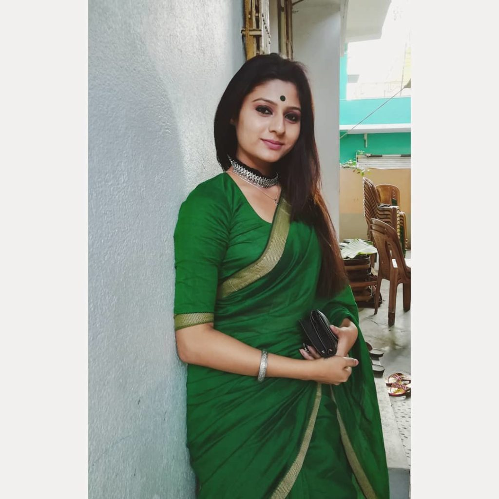 saree-bloggers-instagram-3