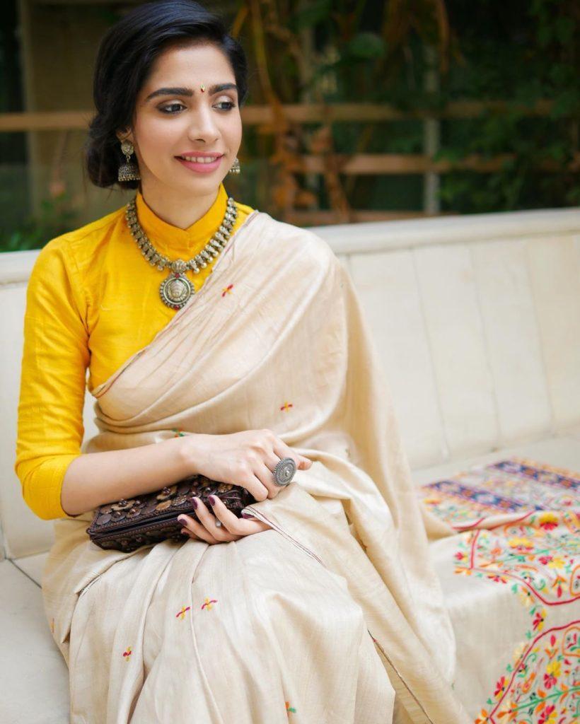 saree-styling-tips-12