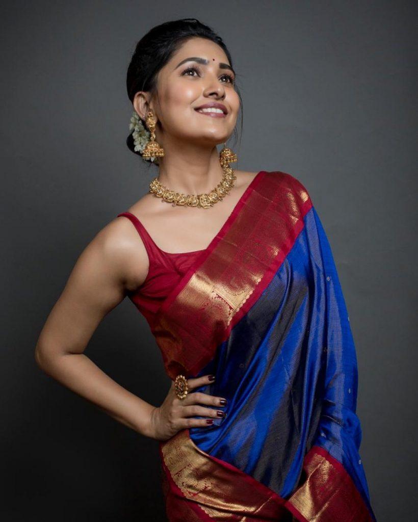silk-saree-blouse-designs-1