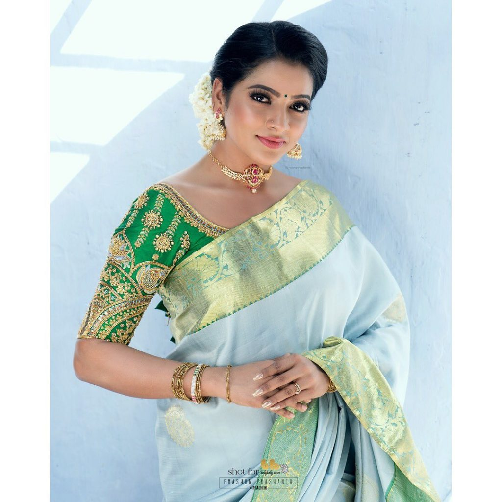 silk-saree-blouse-designs-2