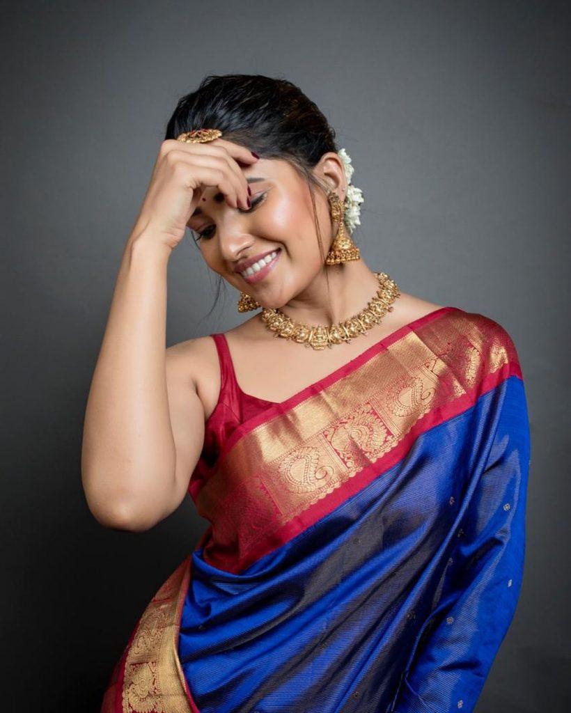 silk-saree-blouse-designs-8