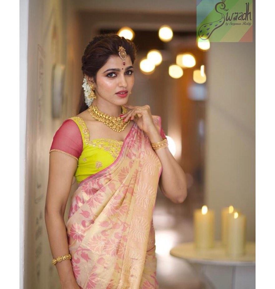 silk-saree-blouse-designs-9