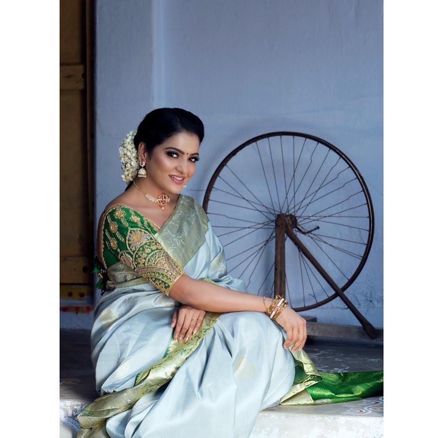 silk-saree-blouse-designs