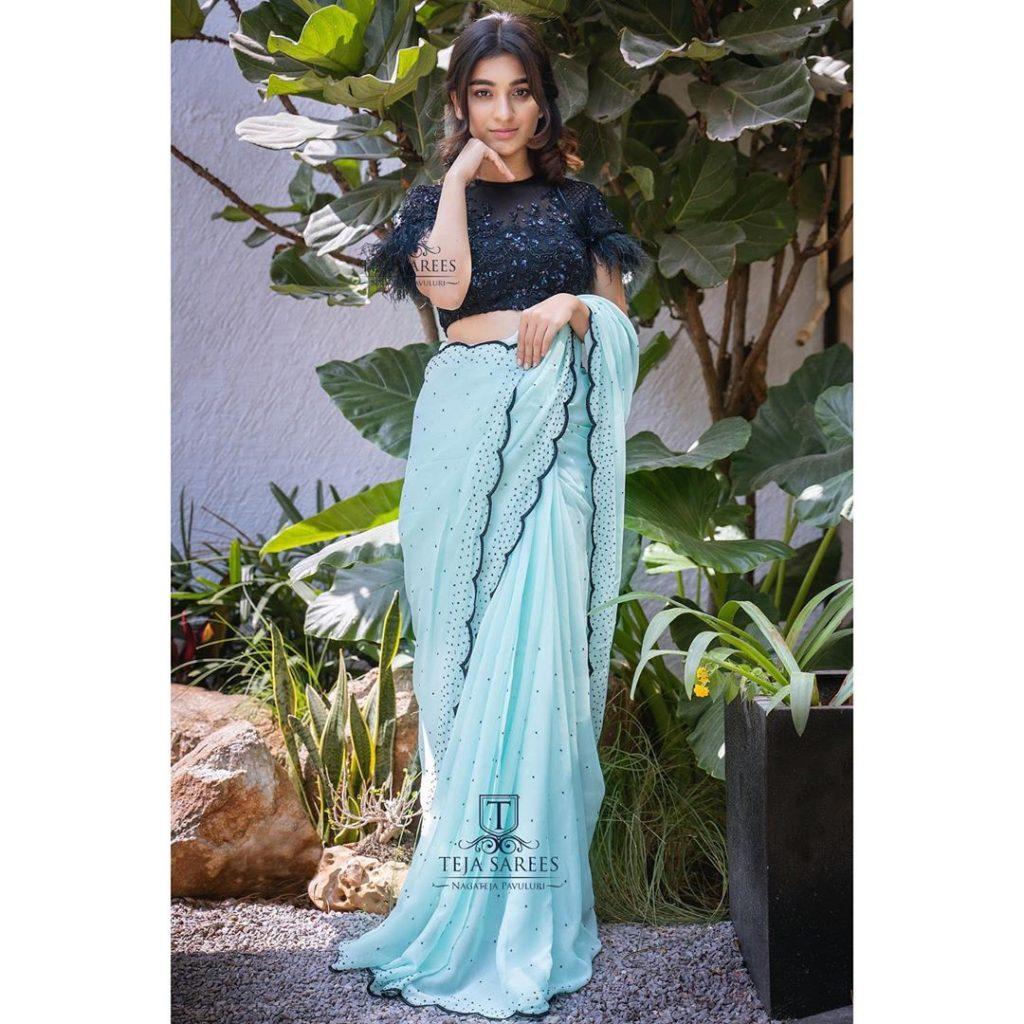 designer-sarees-for-summer-wedding-11
