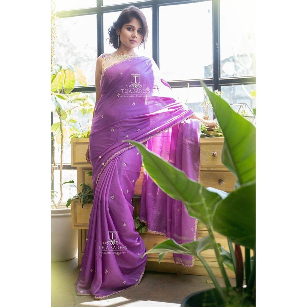 designer-sarees-for-summer-wedding-15