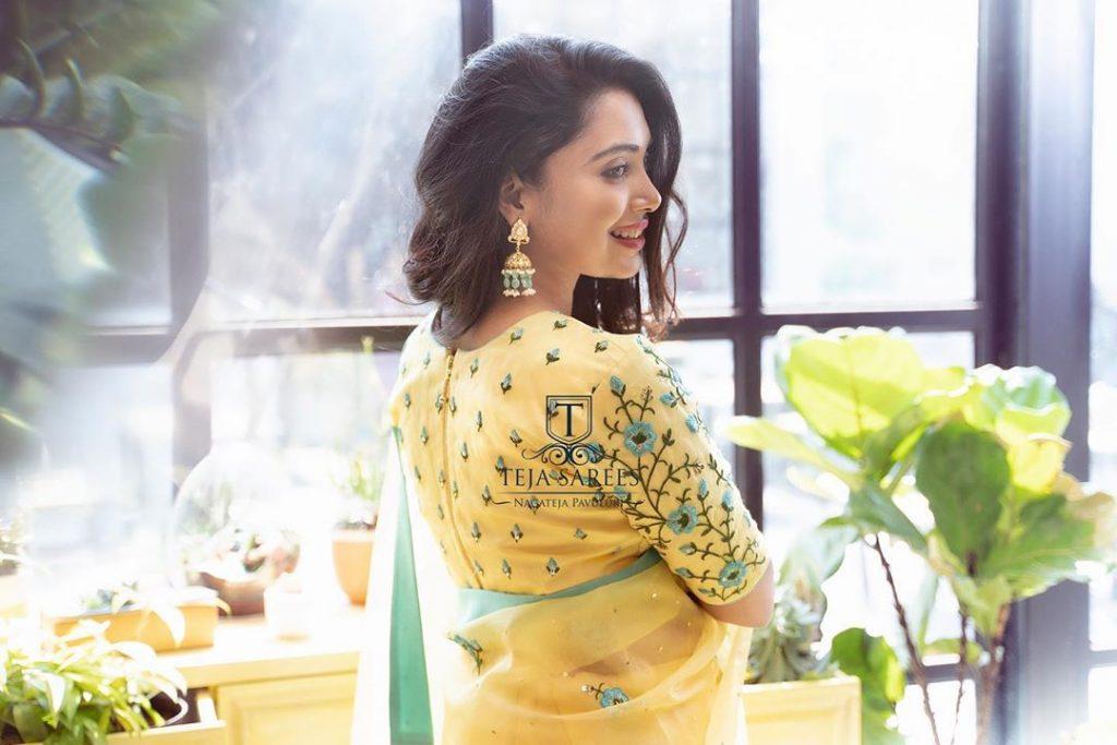 designer-sarees-for-summer-wedding-4