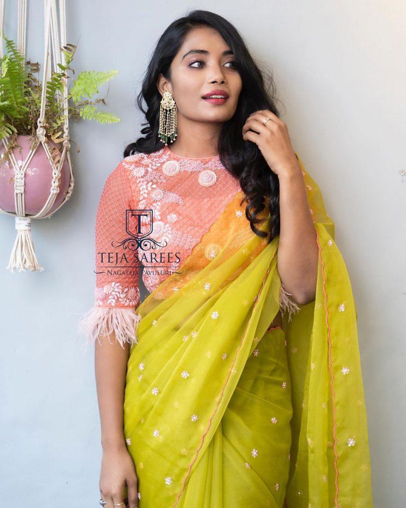 designer-sarees-for-summer-wedding-6