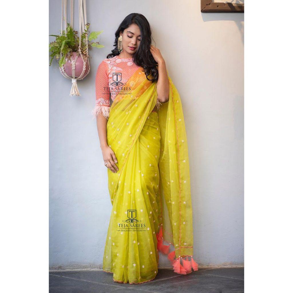 designer-sarees-for-summer-wedding-7