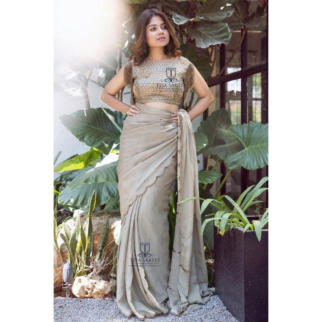 designer-sarees-for-summer-wedding-8