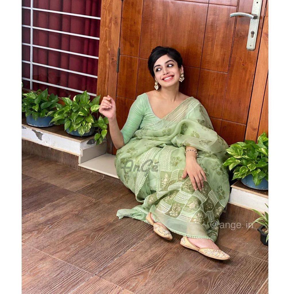 light-weight-saree-online-17