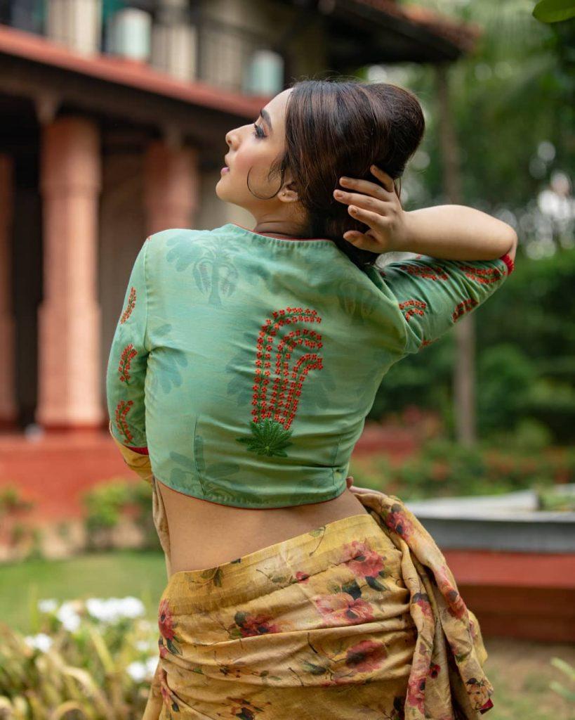 blouse-designs-2020-24