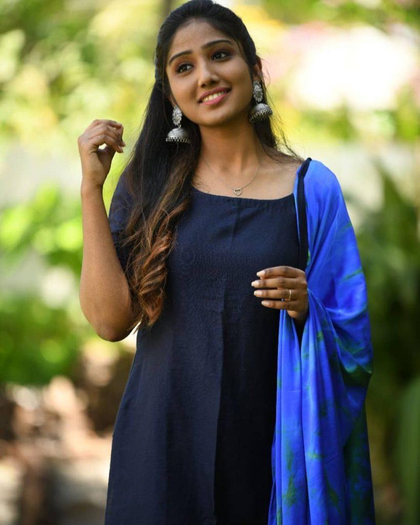 ethnic-dresses-for-women-15