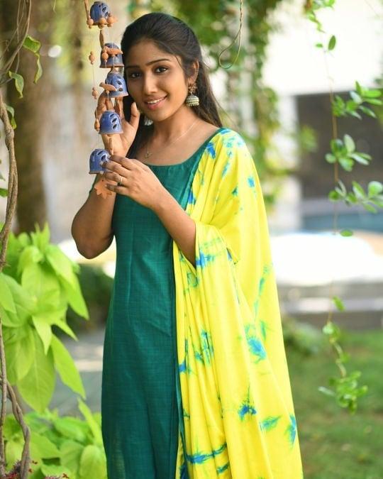 ethnic-dresses-for-women-16