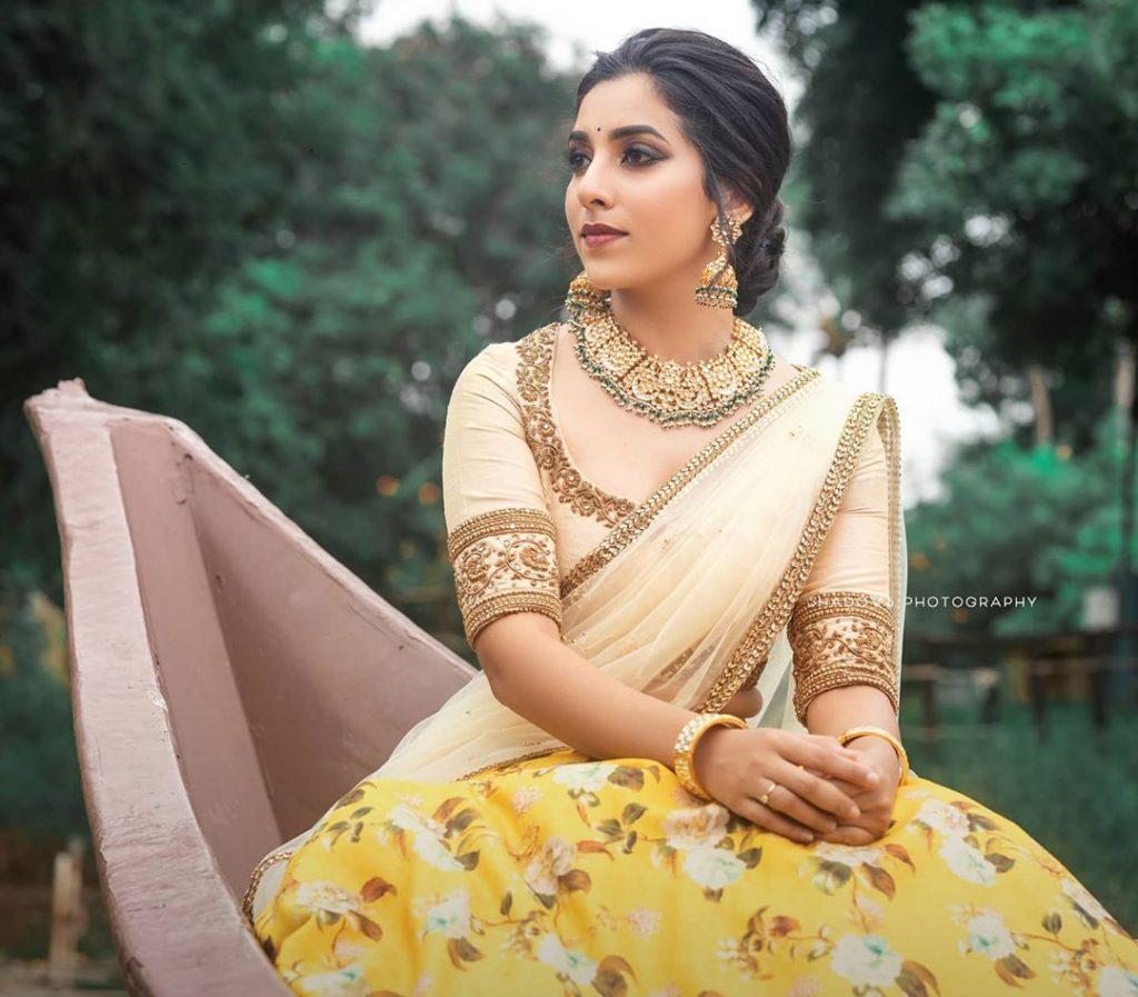 half-saree-images-latest-2020-18