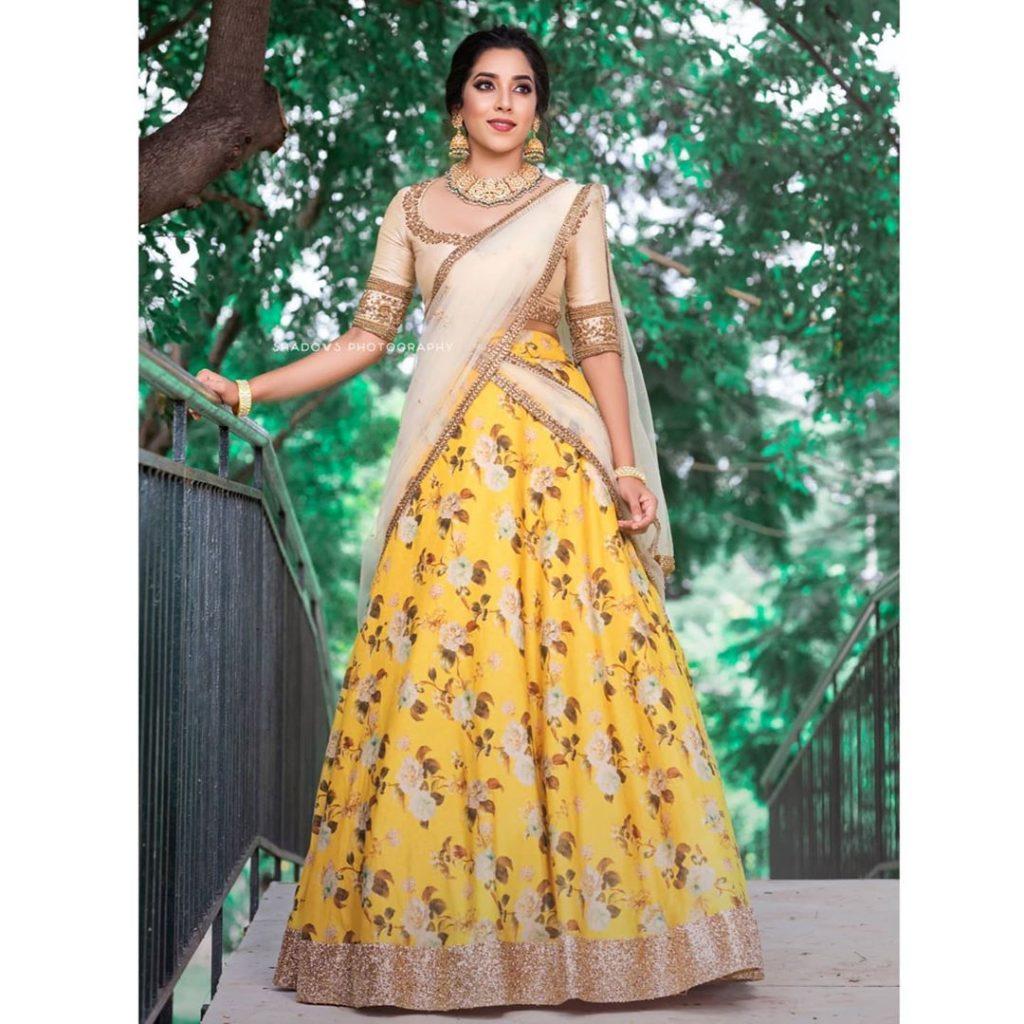 half-saree-images-latest-2020-19
