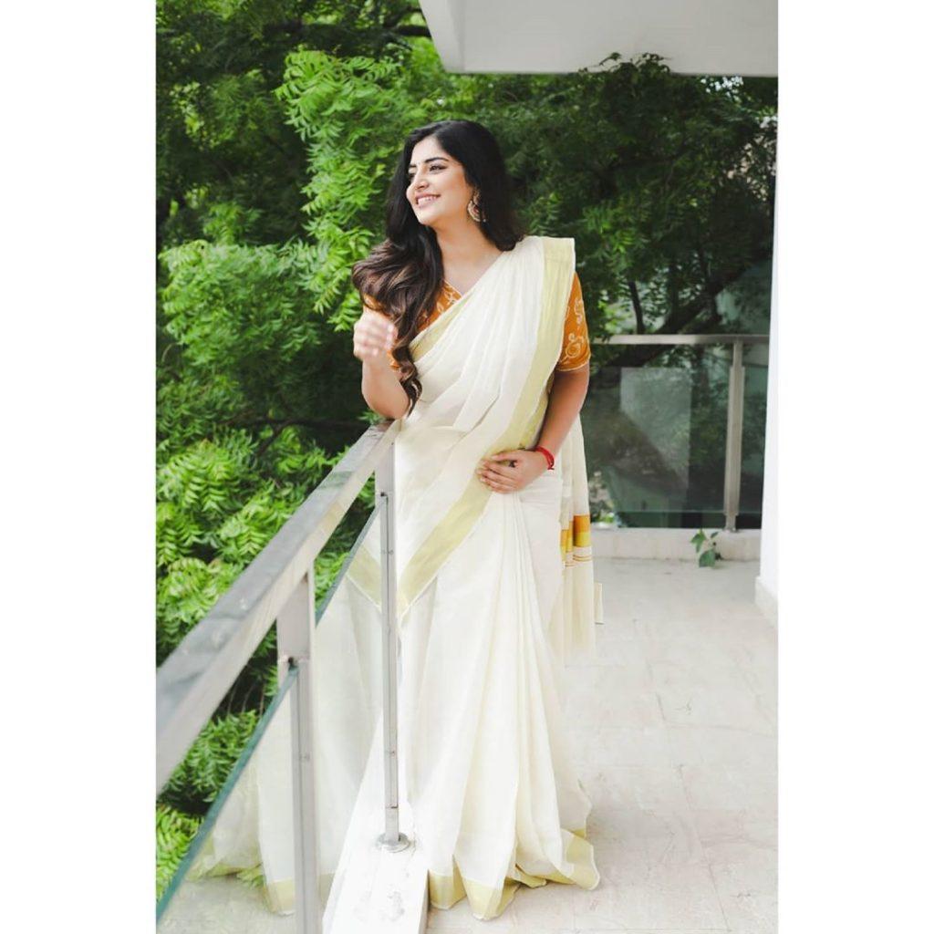 kerala-kasavu-saree-online-1